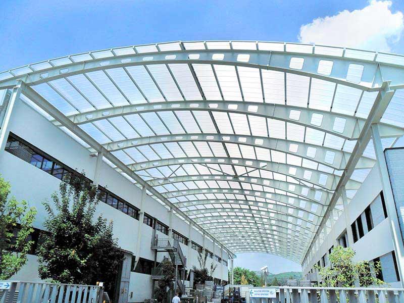 IPP. Techos y cubiertas de plástico para edificios y patios